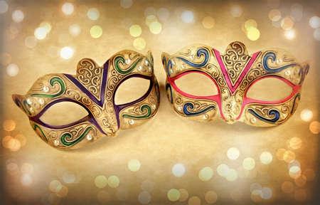 mascara de carnaval: Máscaras del carnaval en fondo de la vendimia Foto de archivo