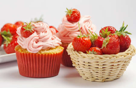 calories poor: Strawberry cupcakes with fresh fruits Stock Photo
