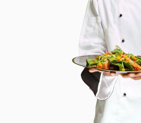cocinero: Chef de �frica o de Am�rica la presentaci�n de heathy ensalada de pollo de alimentos Foto de archivo