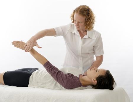 Kinesiologist of fysiotherapeut behandelend Supraspinatus Stockfoto - 16009343
