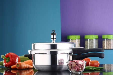 A pressure cooker in a kitchen ambiance 스톡 콘텐츠