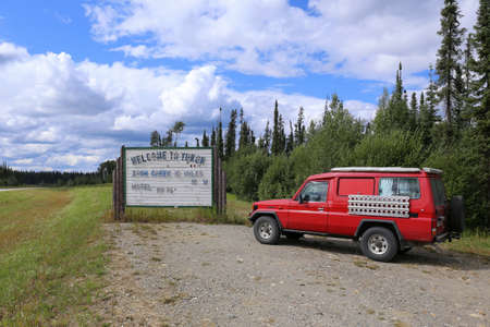 welcom: Welcom to Yukon with a LandCruiser, Canada