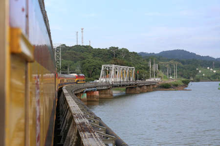 Panama Canal Railway, Train cross a bridge at May 2015 報道画像