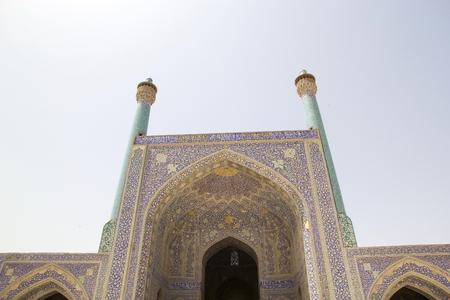 towering: Elev�ndose fachada del iwan en la mezquita Shah tambi�n conocida como Mezquita Imam.