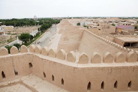 védekező: A védekező fal Itchan Kala, khivai, Üzbegisztán.