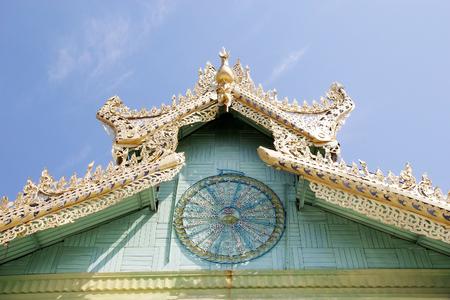 sone: Sone Oo Pone Nya Shin Pagoda, Nga Pa hill, Sagaing hill, Sagaing, Myanmar. Sone Oo Pone Nya Shin Pagoda lies on the top of Nga Pa hill, one of the 37 hilltop of Sagaing Hills. It was built in 674.