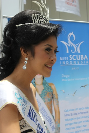 Jakarta, Indonesia, March 29, 2012 - Miss Scuba International 2011, Dayu Prastini Hatmanti, is at the opening of the Deep Indonesia 2012, Indonesia's 6th international diving, adventure, travel and water sports exhibition. Stock Photo - 12904061