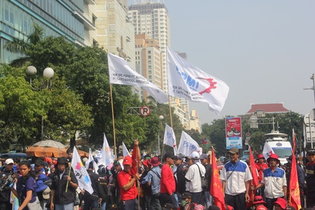 hotel indonesia: Jakarta, Indonesia, July 12, 2012. Thousands of workers rally to call for end to outsourcing