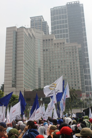 hotel indonesia: Jakarta, Indonesia, May 1, 2013 - Thousands of workers marched to the Presidential Palace on May Day.