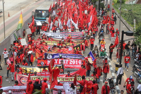 hotel indonesia: Thousands of workers marched on Labor Day in Jakarta, May 1, 2014 Editorial