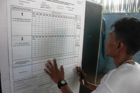 presidential election: A voting committee notes the results in Indonesia presidential election, 9 July 2014
