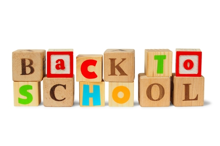 oracion: Bloques de madera con frase de nuevo a escuela