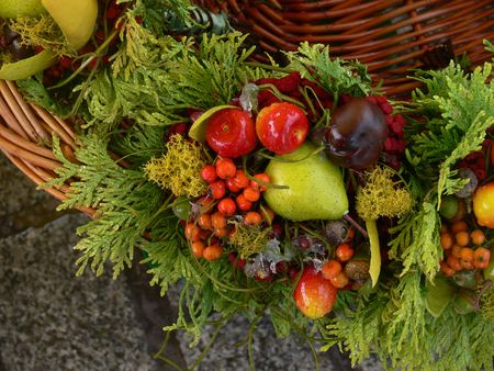 Bouquet from berries and fruit in a basket Stock Photo - 6522332