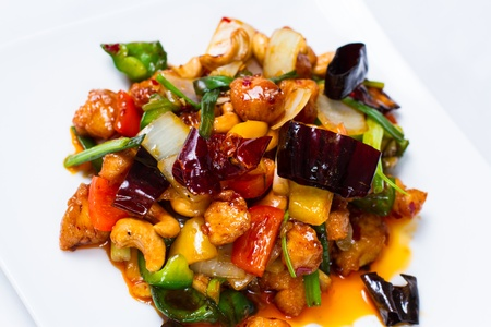 himmapan: Kai Pad Med Mamuang Himmapan, Stir fried chicken with cashews Stock Photo