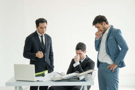 Businessman group feeling failed, sad, distraught, frustrated Banque d'images - 102225793