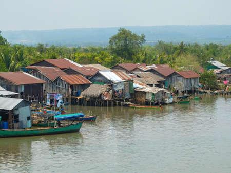 Koh Kong, Cambodia - Mar 3, 2015 : Khmer river village Redactioneel