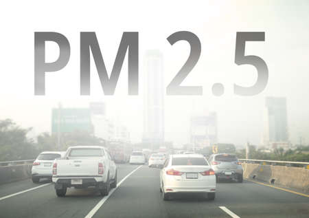 Smog city from PM 2.5 dust. Cityscape with bad air pollution, PM 2.5 concept, Bangkok, Thailand Banco de Imagens