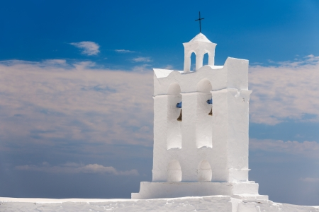 Belfry from one of the numerous chapels on the Greek island of Sifnos Stock Photo - 15356655
