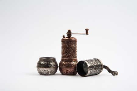 pepper grinder: Traditional pepper grinder mill