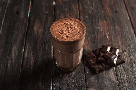 탑 뷰 맛있는 초콜릿 밀크 셰이크 스톡 콘텐츠