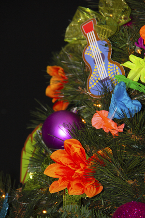 Hawaiin themed Christmas Tree decoration Stock Photo - 117560501