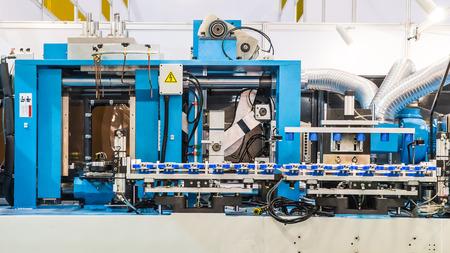 plastico pet: Blow Moulding Machine en fábrica Foto de archivo