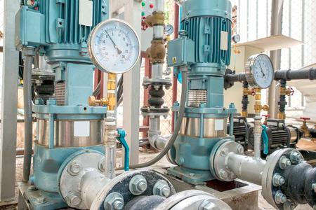 Industriemotor-Pumpe in der Fabrik Standard-Bild