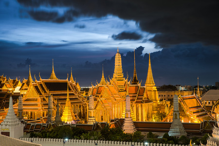 kaew: Wat Phra Kaew, Temple of the Emerald Buddha,Grand palace at twilight in Bangkok, Thailand