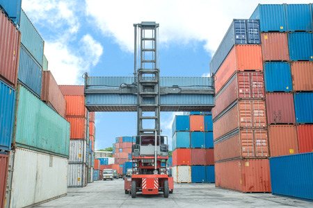 weight lifter: Crane lifter handling container box loading to depot
