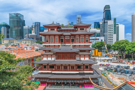 chinese temple: The Buddha Tooth Relic Temple in Singapores Chinatown