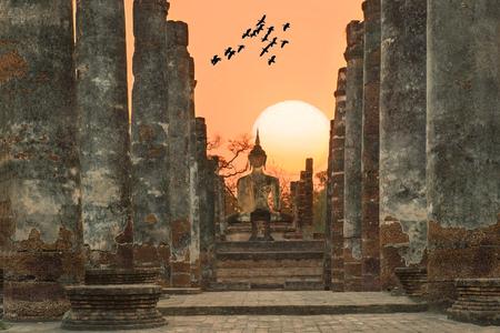 スコータイ歴史公園、タイのワット ・ マハタートの仏像 写真素材