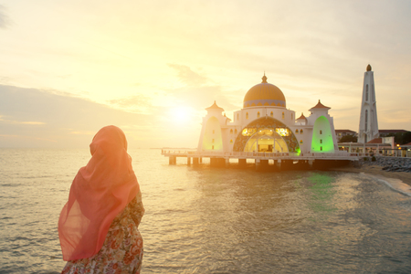 Malacca Straits Mosque with Muslim pray in Malaysia Stock fotó