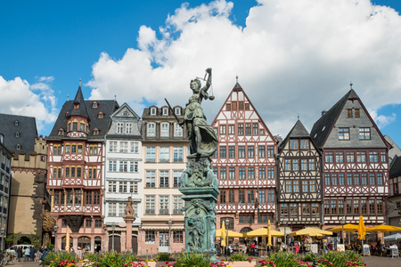 justitia: Old town with the Justitia statue in Frankfurt, Germany