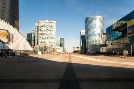 防衛: Paris skyscraper in France. La Defense business district in Paris at morning, France. Paris is capital city of France. 報道画像