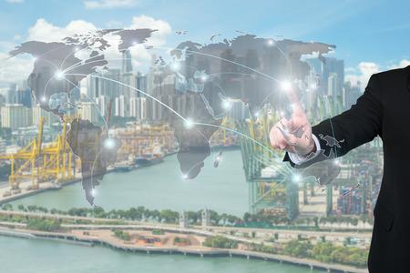Negocios que trabaja con interfaz virtual socios globales uso gráfico de logística, importación, exportación socios de la red background.Global.