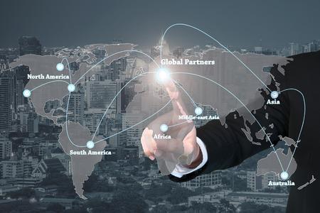 仮想インターフェイスのグローバル パートナー グラフィック用の操作の実業家ロジスティック、インポート、エクスポートの背景。グローバル パ