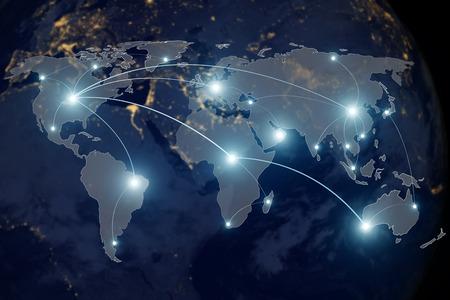 Concetto di tecnologia di connessione di rete - partnership di collegamento di rete e mappa del mondo. Archivio Fotografico