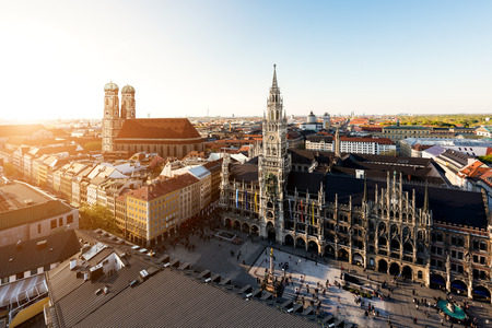 Aerial view on Munich old town hall or Marienplatz town hall and Frauenkirche in Munich, Germany Imagens - 66155983