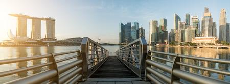 싱가포르 비즈니스 지구 스카이 라인 및 마리나 베이, 싱가포르에서 스카이 스크 래퍼의 파노라마.