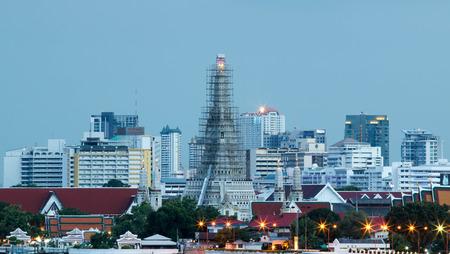BANGKOK, THAILAND - JULY 2, 2017 : Twilight at Arun temple water front bangkok thailand landmark. Editorial