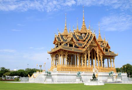 BANGKOK, THAILAND - JULY 30, 2017 : Borom Mangkhanusoranee Throne hall is a royal reception hall within Dusit Palace.