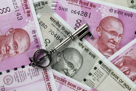 New Indian Rupees Currency with a Key Standard-Bild