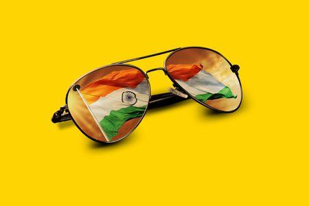サングラスに映るインドの旗 写真素材