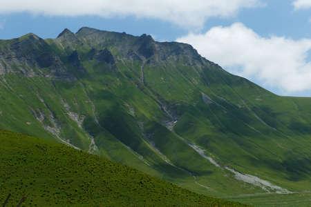 beautiful mountains in georgia Foto de archivo