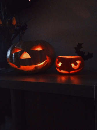 two halloween pumpkins wiht light 版權商用圖片
