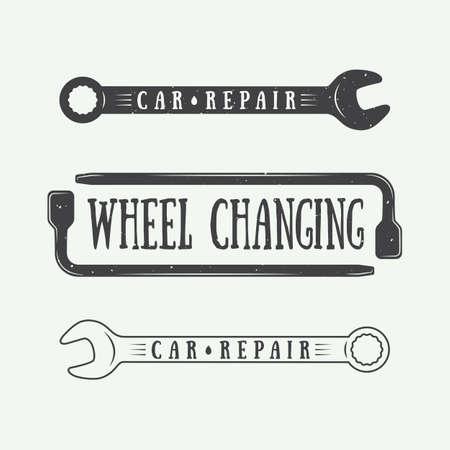 mecanico: Conjunto de la carpintería de la vendimia y las etiquetas mecánico, emblemas Vectores