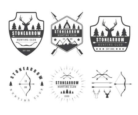 arco y flecha: Conjunto de etiquetas de caza de la vendimia, logotipo, insignias y elementos de diseño Vectores
