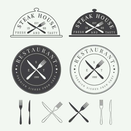 cuchillo: Conjunto de la vendimia logotipo restaurante vector, insignia y emblema Vectores