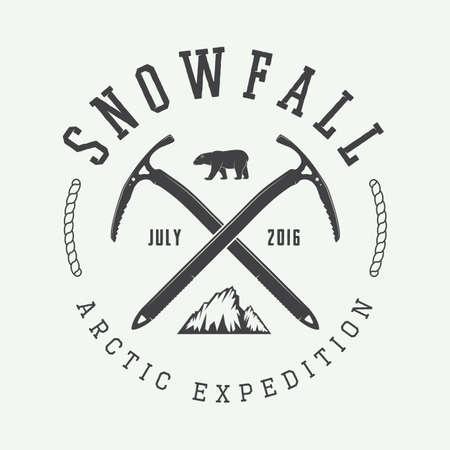 antifaz: Vintage arctic mountaineering logo, badge, emblem. Vector illustration