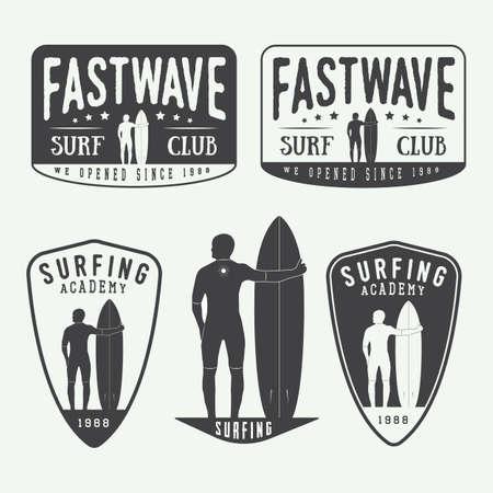 サーフィンのロゴ、ラベル、バッジ、ビンテージ スタイルの要素のセットです。ベクトル図